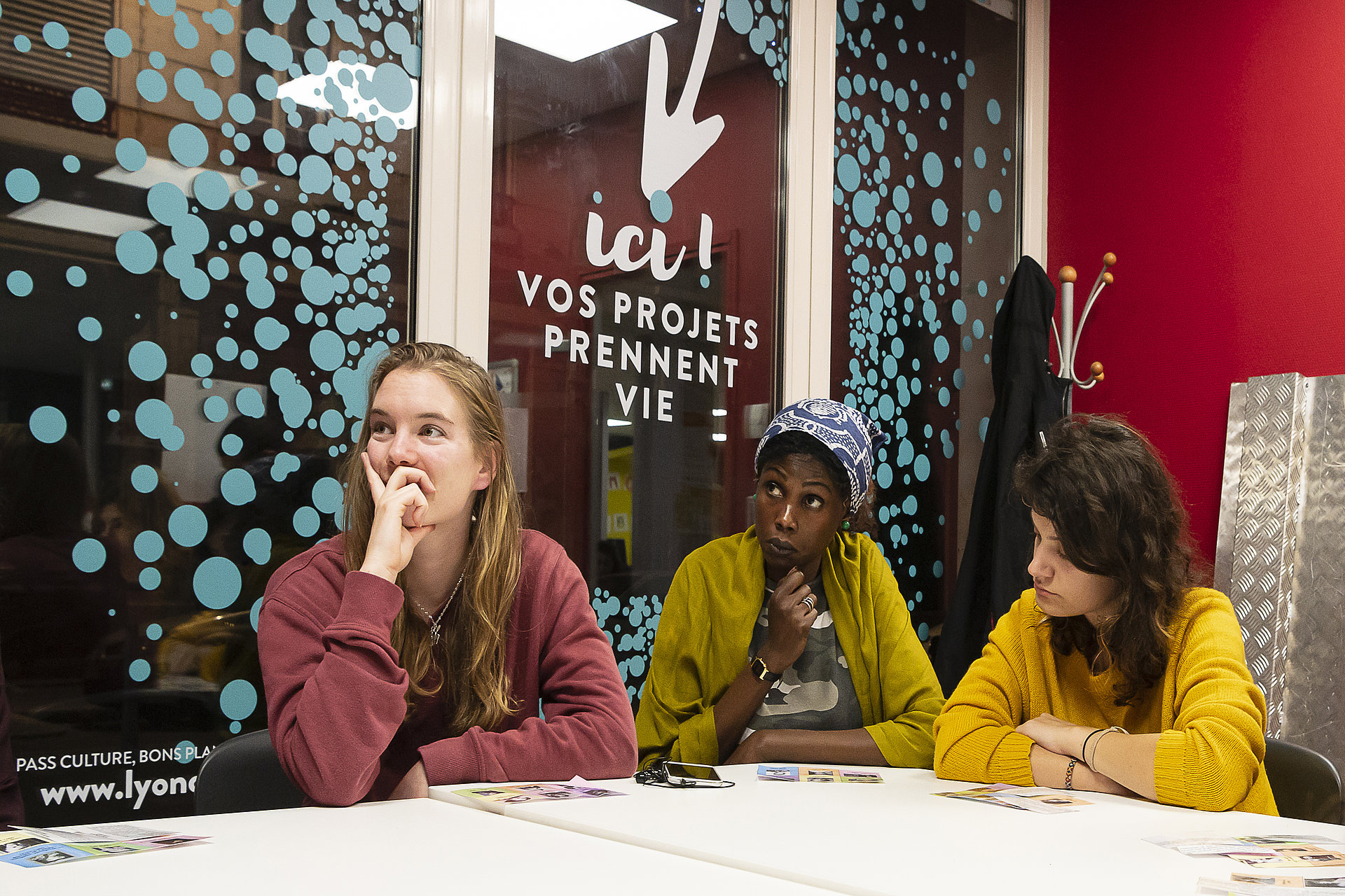 3 étudiants participent à un atelier du Forum des initiatives étudiantes à la MDE